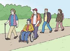 Das Bild zeigt viele Männer und Frauen. Alle haben Wanderschuhe und Rucksäcke an.